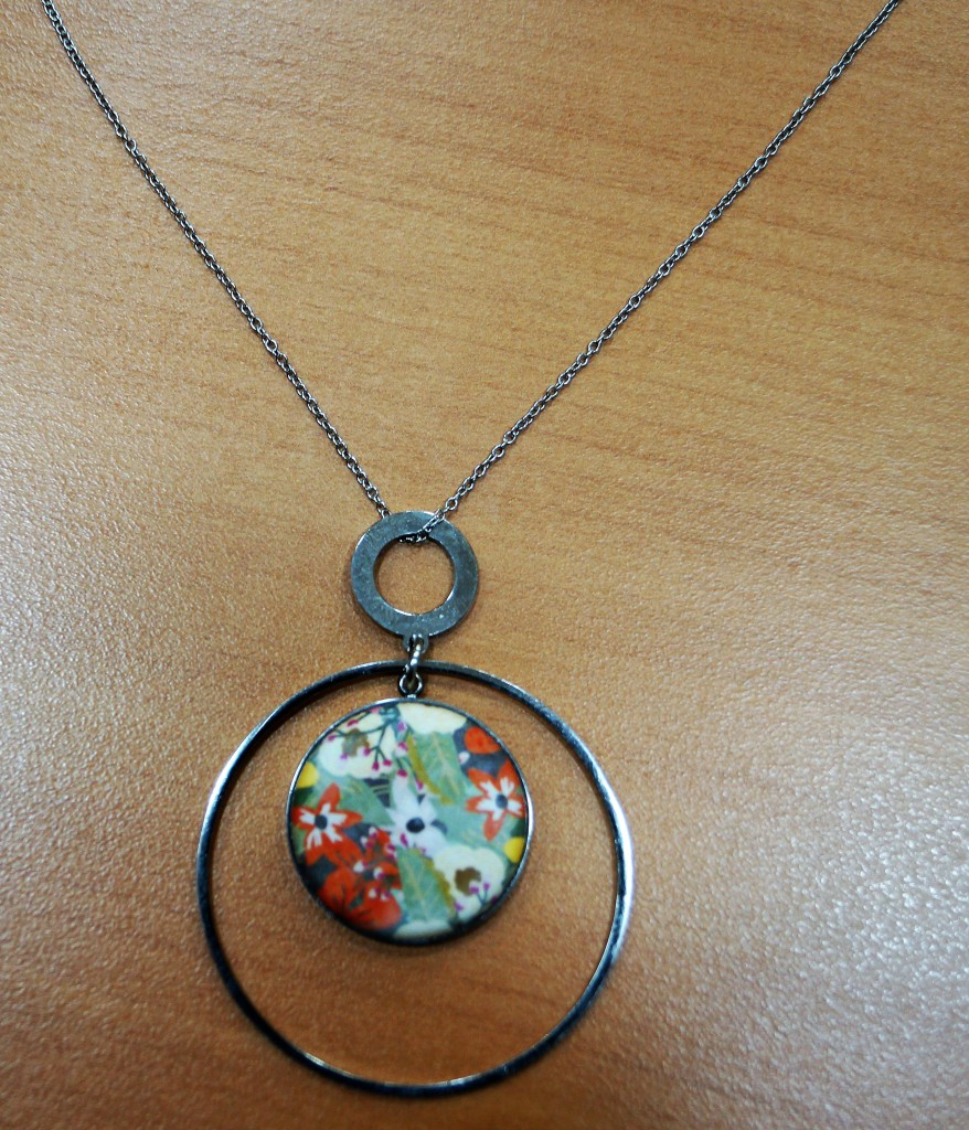 Yaya Factory small magnetic support circle necklace, interchangeable colors