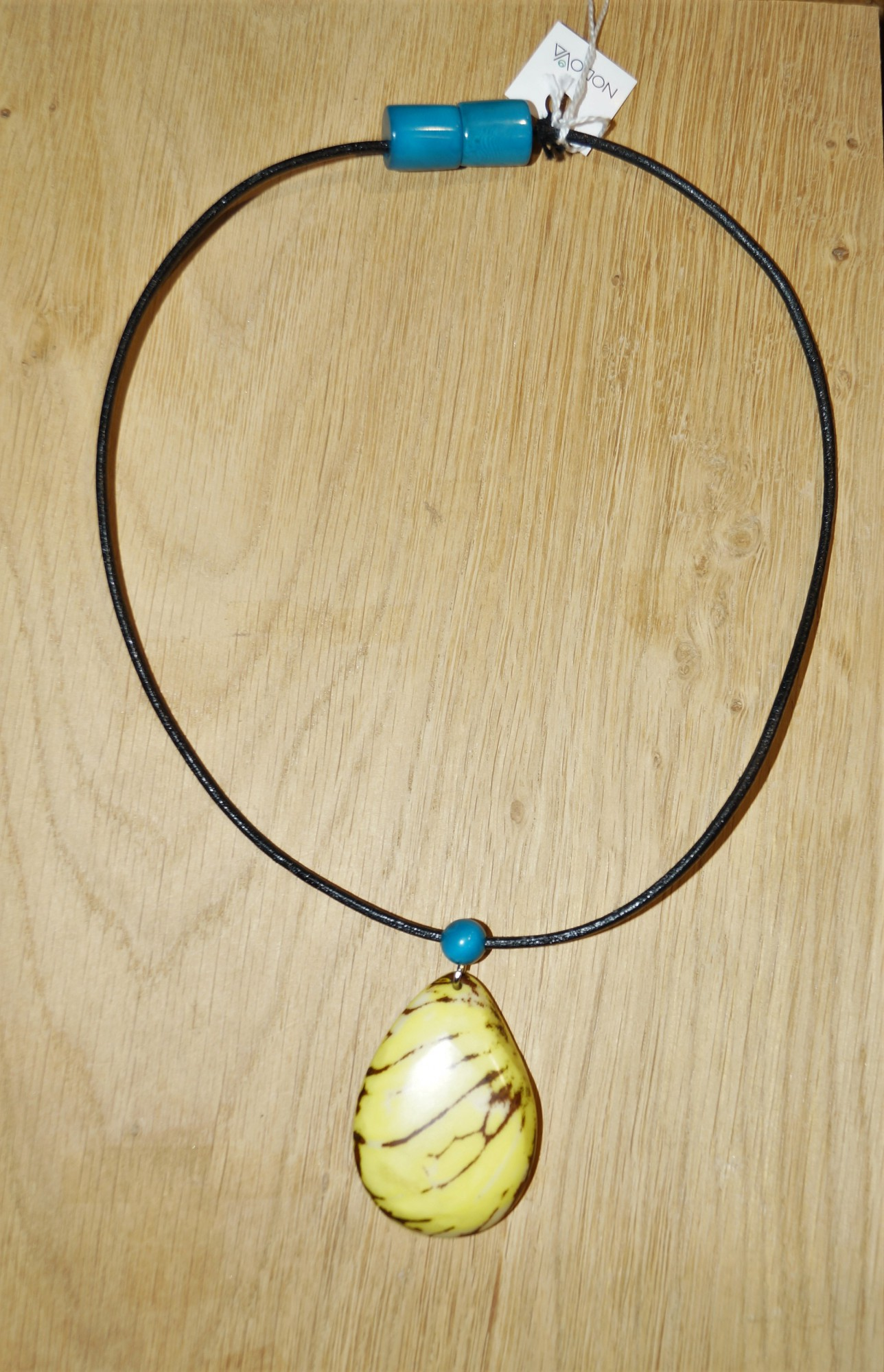 Necklace Nodova in vegetable ivory, turquoise Niobe anise