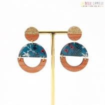 Boucle d\'oreille clou à médaillon résiné et bois La Belle Camille Cosma AH20
