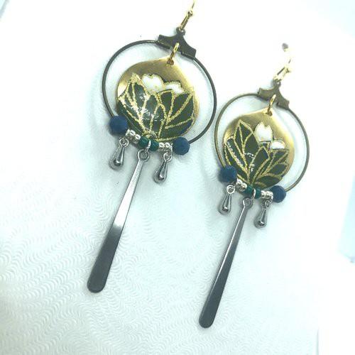 Boucles d\'oreilles bouton de lotus, papier japonais, cuir, pompon jaune Leksart