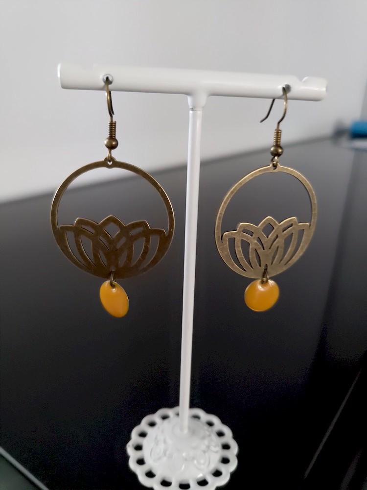Boucles d\'oreilles Lotus jaune