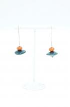 Boucles d\'oreilles Nodova ivoire végétal, Soren grise et orange