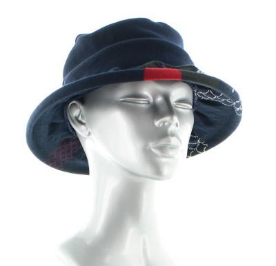 Chapeaux bleu marine Berthe aux grands pieds