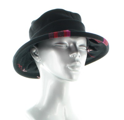 Chapeaux noir Berthe aux grands pieds