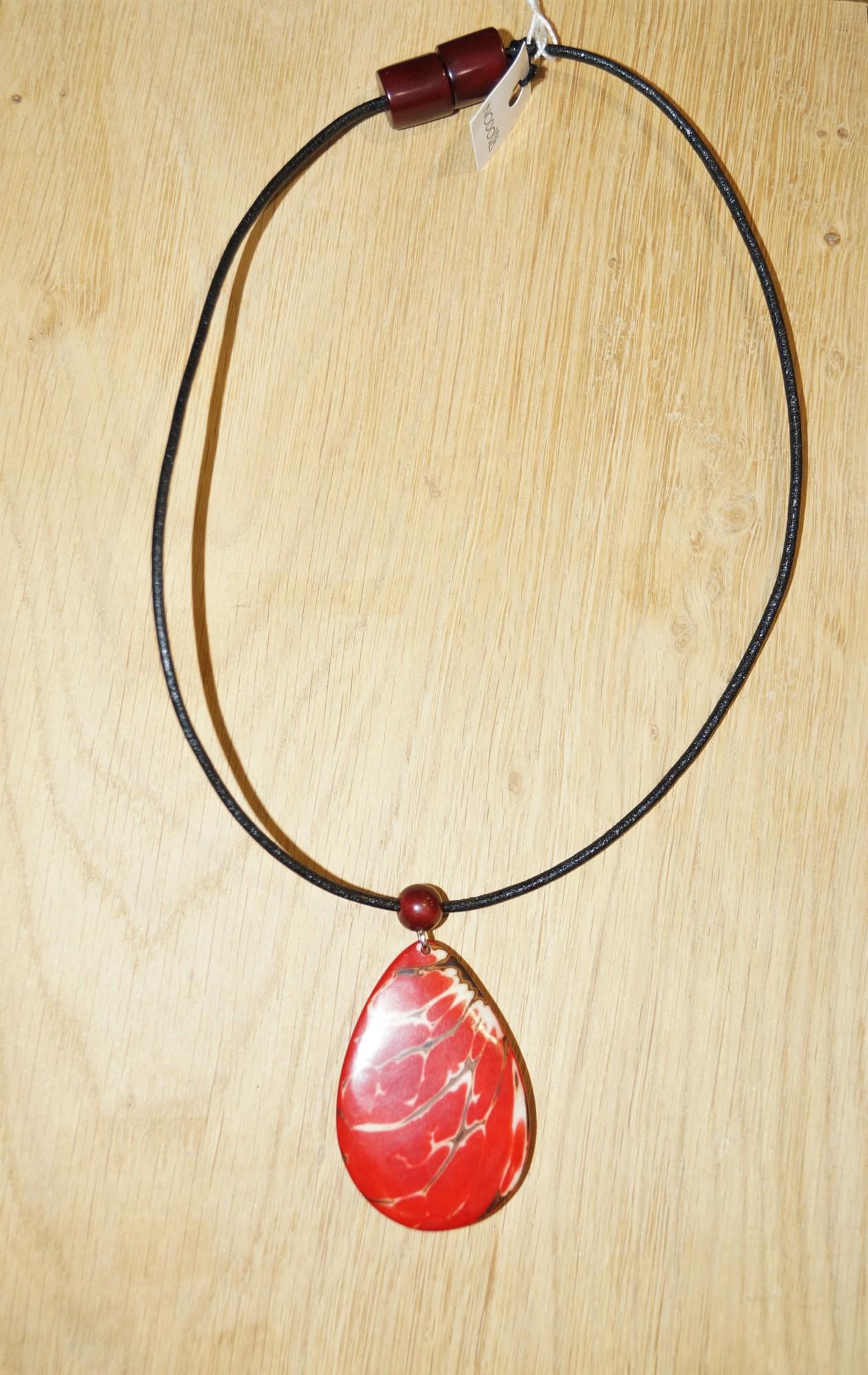 Collier Novoda en ivoire végétal, Niobe rouge