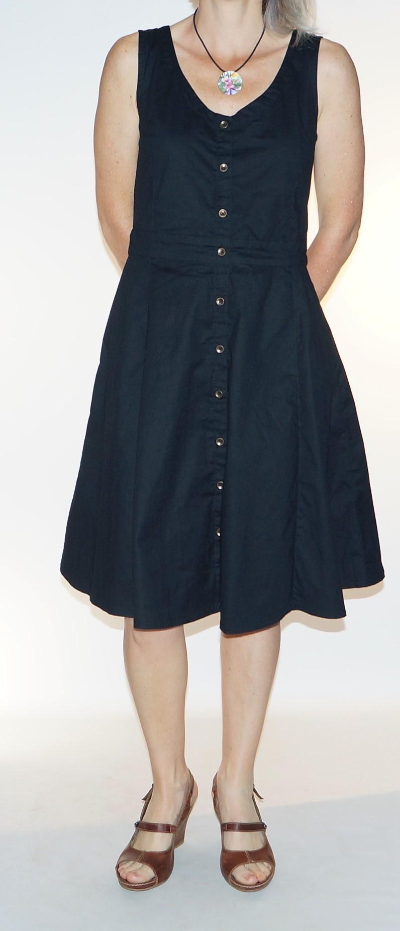 sleeveless black dress Princess Nomad