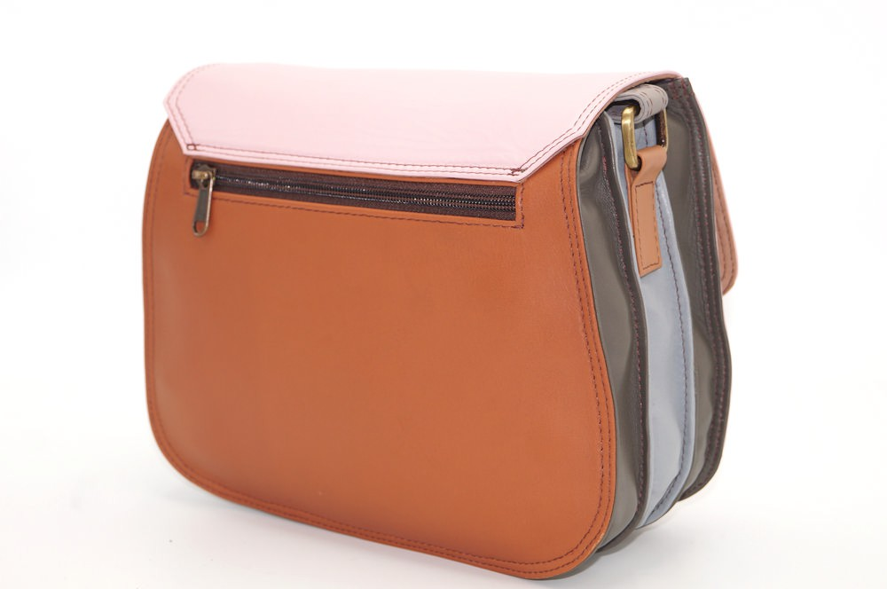 women\'s shoulder bag with three leather compartments, a unique and original bag 19