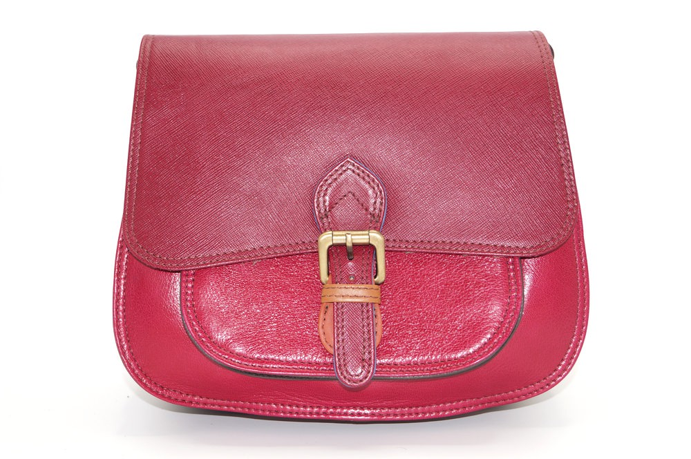 women\'s shoulder bag with three leather compartments, a unique and original bag 20
